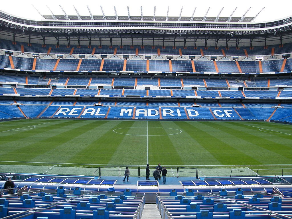 1024px-The_Santiago_Bernabeu_Stadium_-_U-g-g-B-o-y